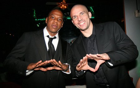 Jay-Z-and-Jason-Kidd-pal-around-during-a-party-at-NBA-All-Star-Weekend-in-New-Orleans-in-February-2008.-Johnny-Nunez-WireImage