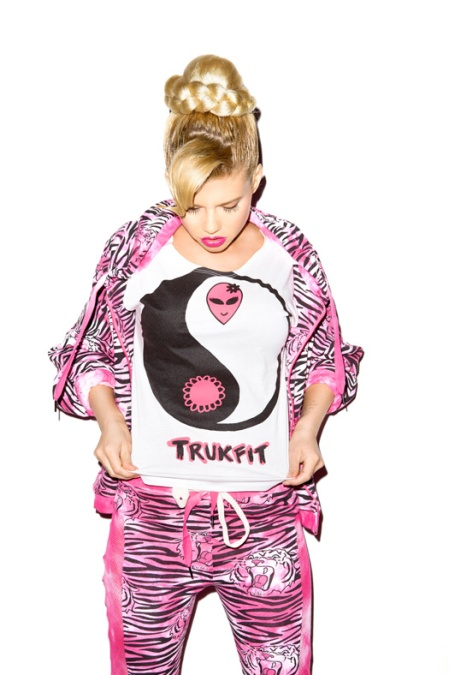 lil-wayne-trukfit-clothing-line-women2
